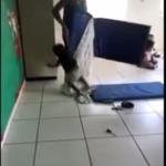 Absurdo: Educadora agride crianças em Araçuaí